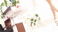 「誰もがご納得のモデル美妻♪」06/22(金) 03:00   初音りこの写メ・風俗動画