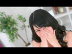 しおりキラリと輝くロリ系黒髪美少女☆